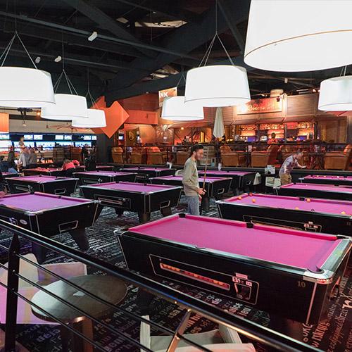 Salle de billard et jeux d'arcade
